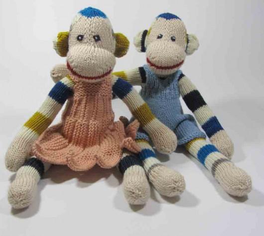 monkey_pair_dressed2